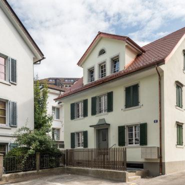 Umbau und Sanierung Mehrfamilienhaus