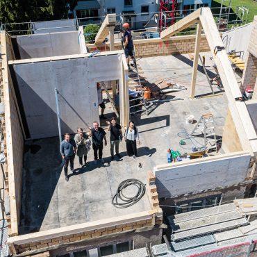 Dachstockausbau, Fassaden- und Bädersanierung MFH 1