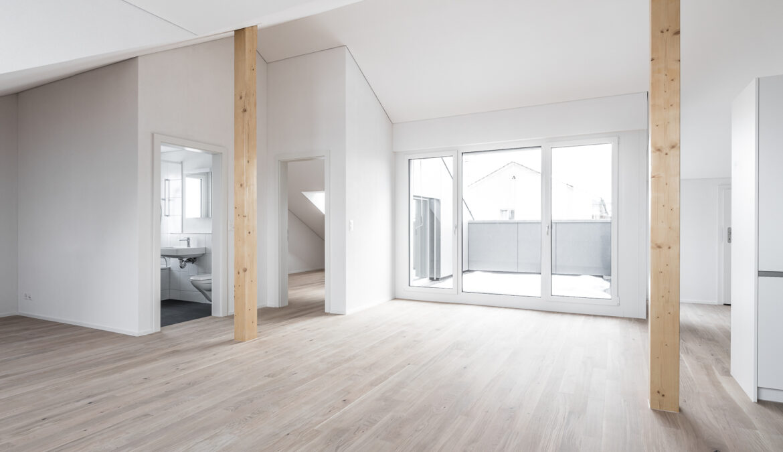 Dachstockausbau, Fassaden- und Bädersanierung MFH 11