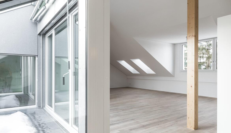Dachstockausbau, Fassaden- und Bädersanierung MFH 10